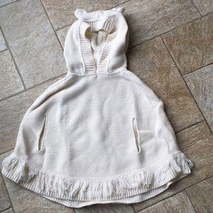 Gap toddler girls poncho in cream